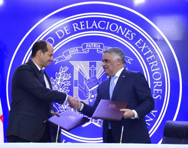 Mirex y Asociación Dominicana de Turismo de la Salud suscriben acuerdo para promover servicios médicos en el exterior