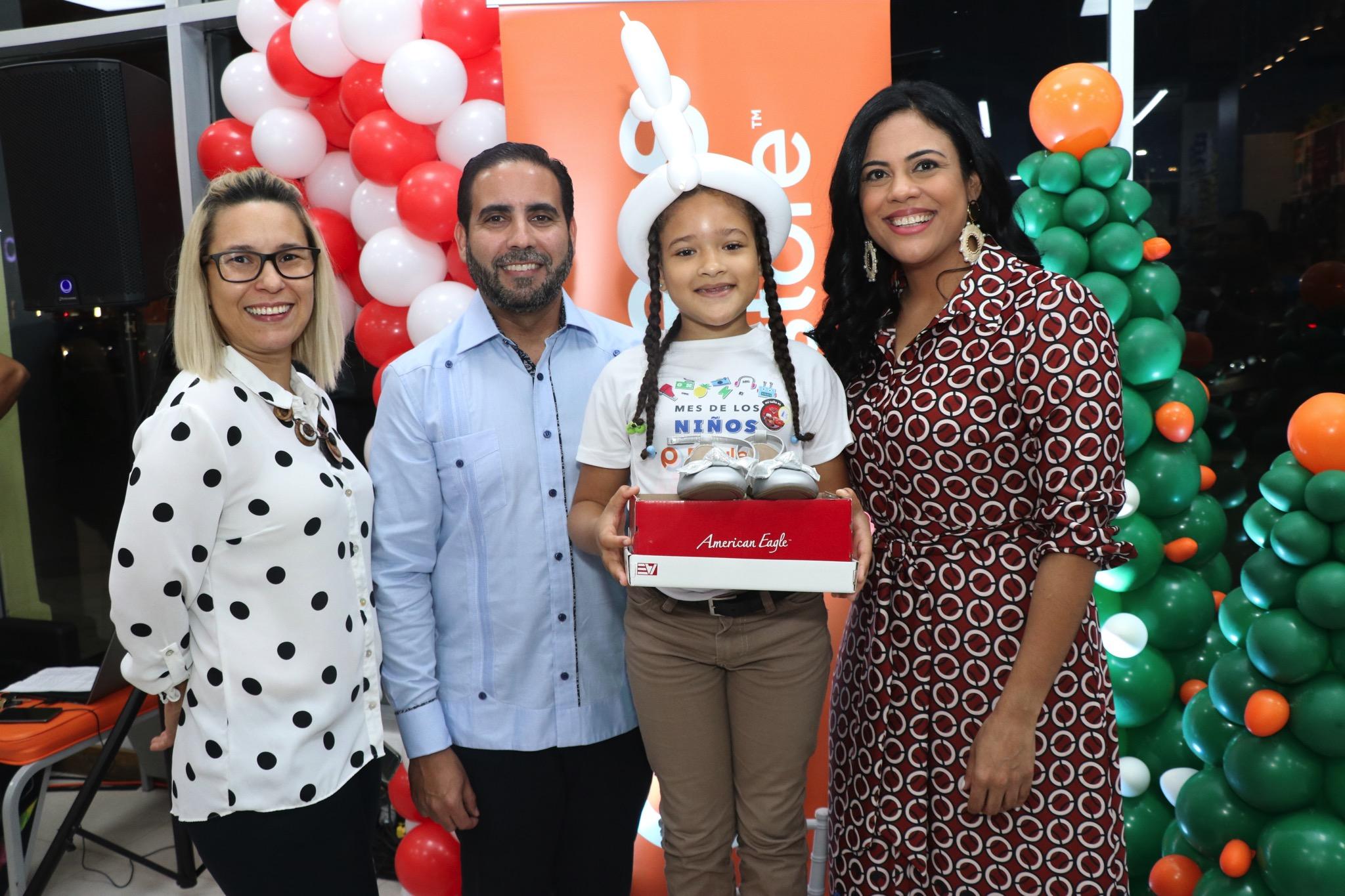 En Navidad Payless brinda alegría a 500 niños de Santo Domingo y Santiago