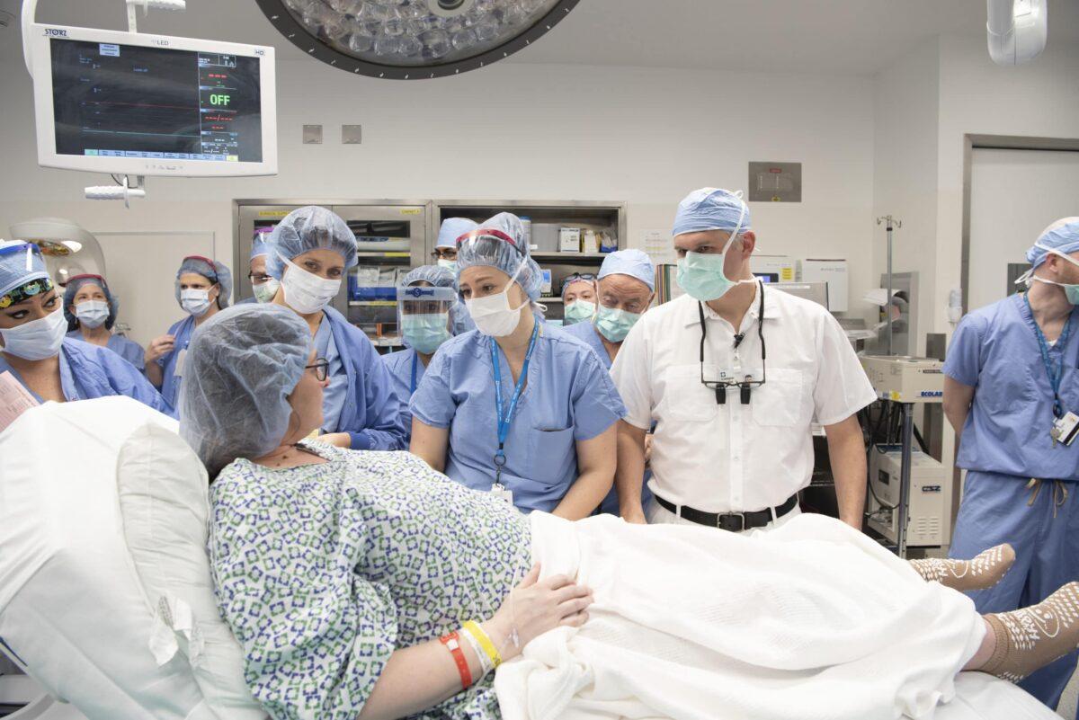 CCC-Vinci-1866558_2nd Uterus Transplant - Birth