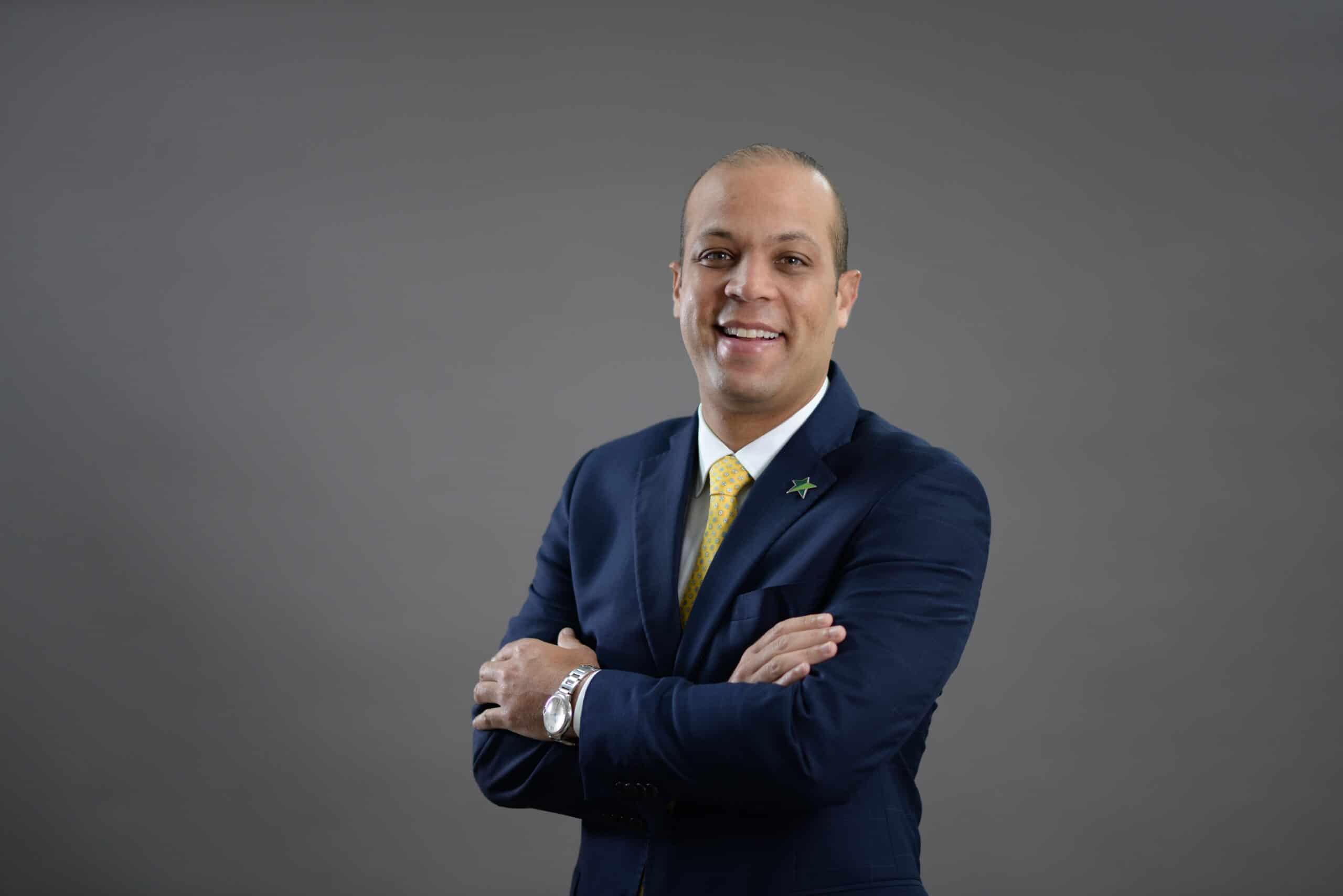 El presidente ejecutivo de Banco Promerica, Carlos Julio Camilo, anuncia inyección de capital e incremento de patrimonio técnico en RD $800 millones