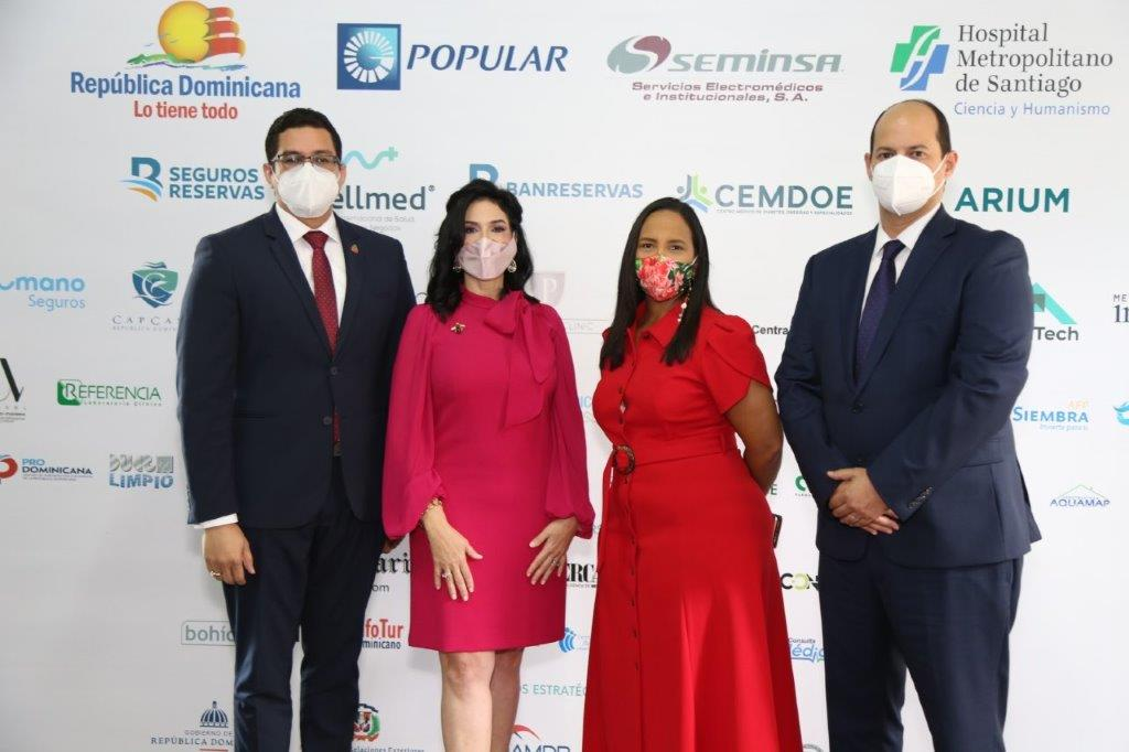 Foto Principal Eladio Pérez, Amelia Reyes Mora, Jacqueline Mora y Alejandro Cambiaso